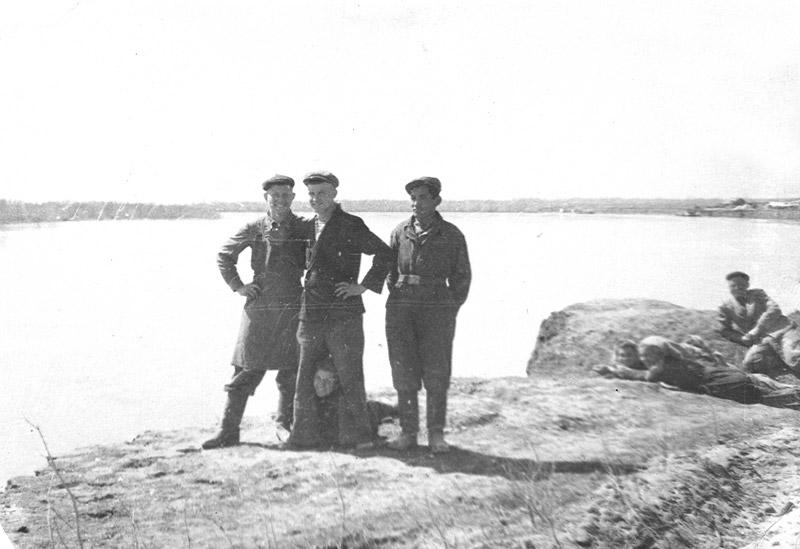 Весна. 1957 год. г. Уральск. На месте будущего моста через Урал