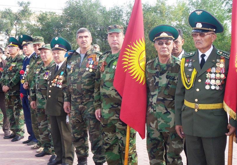 Участники международного автопробега, посвященного 70-летию Победы в Великой Отечественной войне