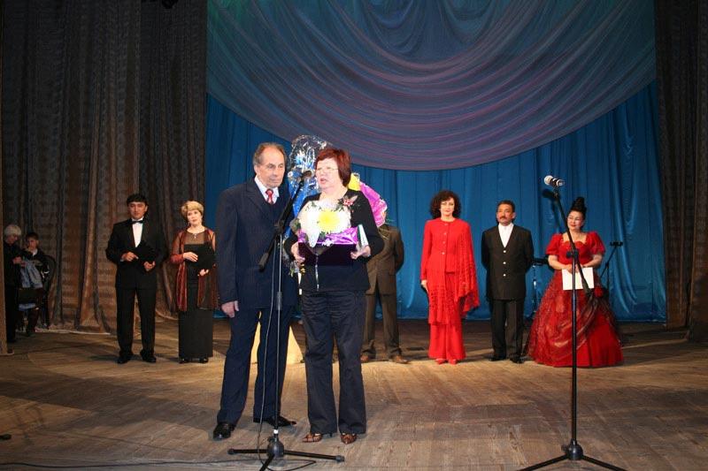 С Акуштап Багтыгереевой, поэтом