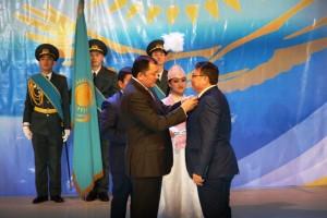 Аким ЗКО Нурлан Ногаев вручат награду журналисту Асланбеку Губашеву