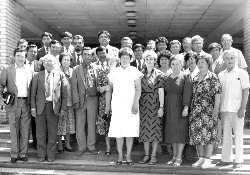 Выпускники Агрофака 1970 г. Последний ряд 6-й справа – автор статьи Х. Габдеев. 1995 г.