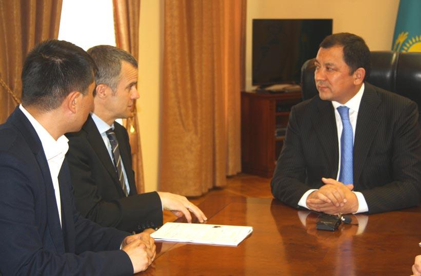 Встреча Хельге Лунд с акимом ЗКО Нурланом Ногаевым