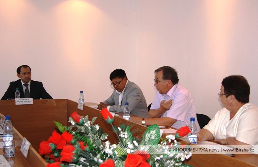 Члены диссовета обсуждают дело