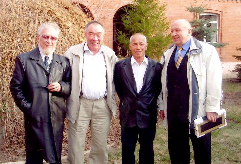 Слева направо: В. Гундарев, Г. Кудайбергенов, М. Сулейменов, В. Киянский