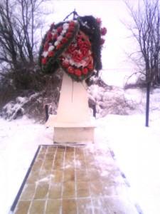 Братская могила на границе Казахстана и России