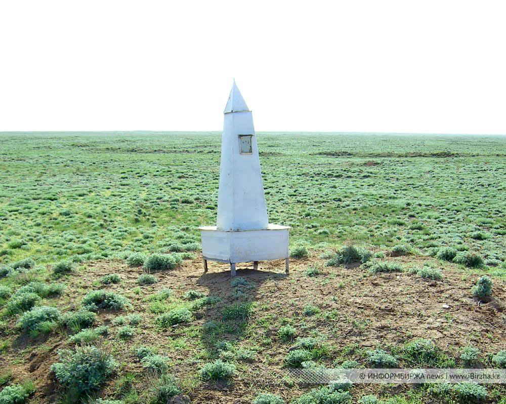Место первого захоронения воинов 196-й Краснознамённой Гатчинской стрелковой дивизии. Сайхин