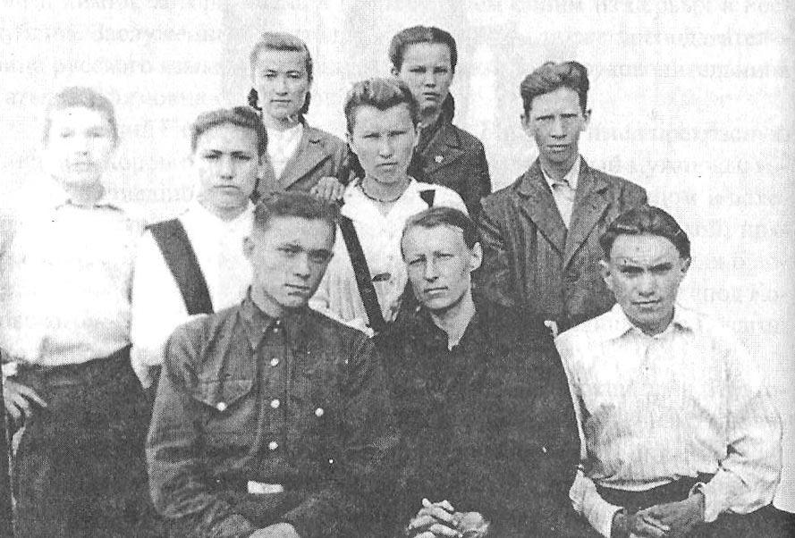 Выпускники Чапаевской средней школы 1950 года