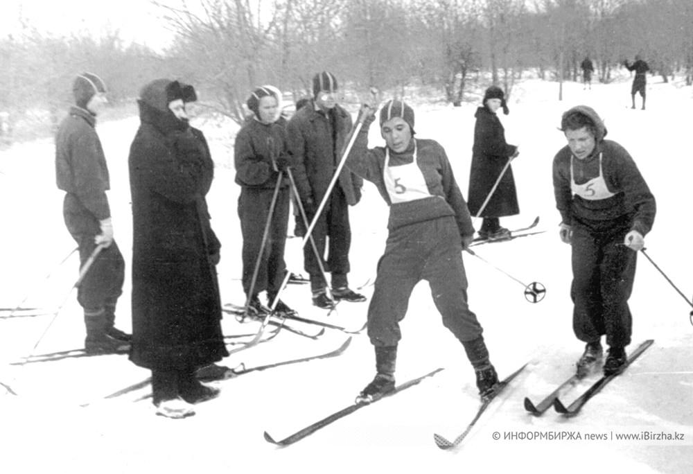 Лыжники в 50-е годы