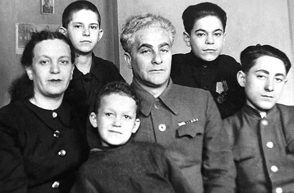 Семья Кобзона