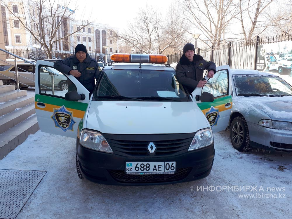 Работники охранного агентства «Сункар секьюрити»