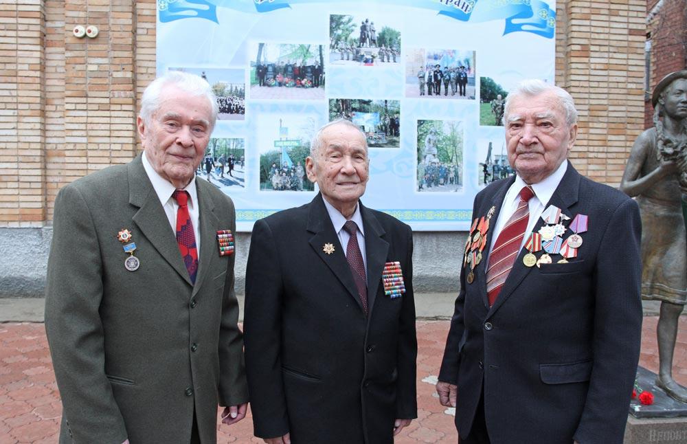 И. Гапич, Х. Сафин (в центре), В. Скаленко