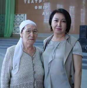 Р. Абдушева с дочерью Айгуль