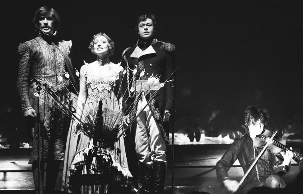 Николай Караченцов, Елена Шанина и Александр Абдулов в рок-опере «Юнона и Авось», 1983 г.
