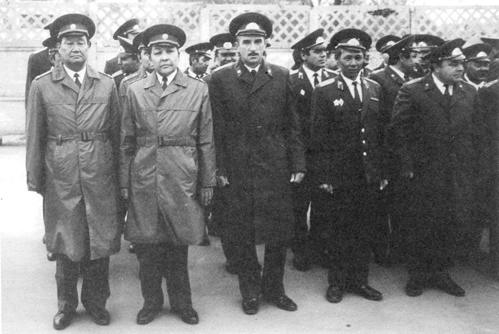 Сергей Ткачук (в центре)