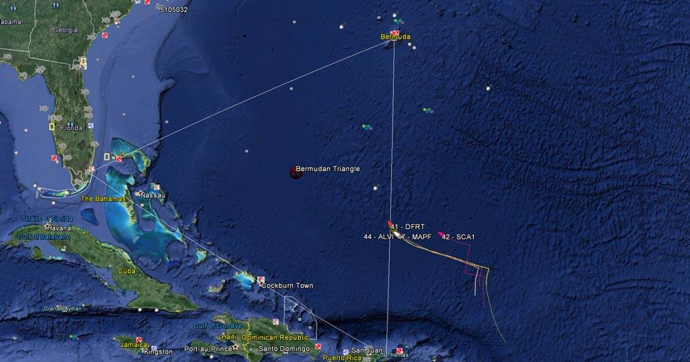 Бермудский треугольник со спутника