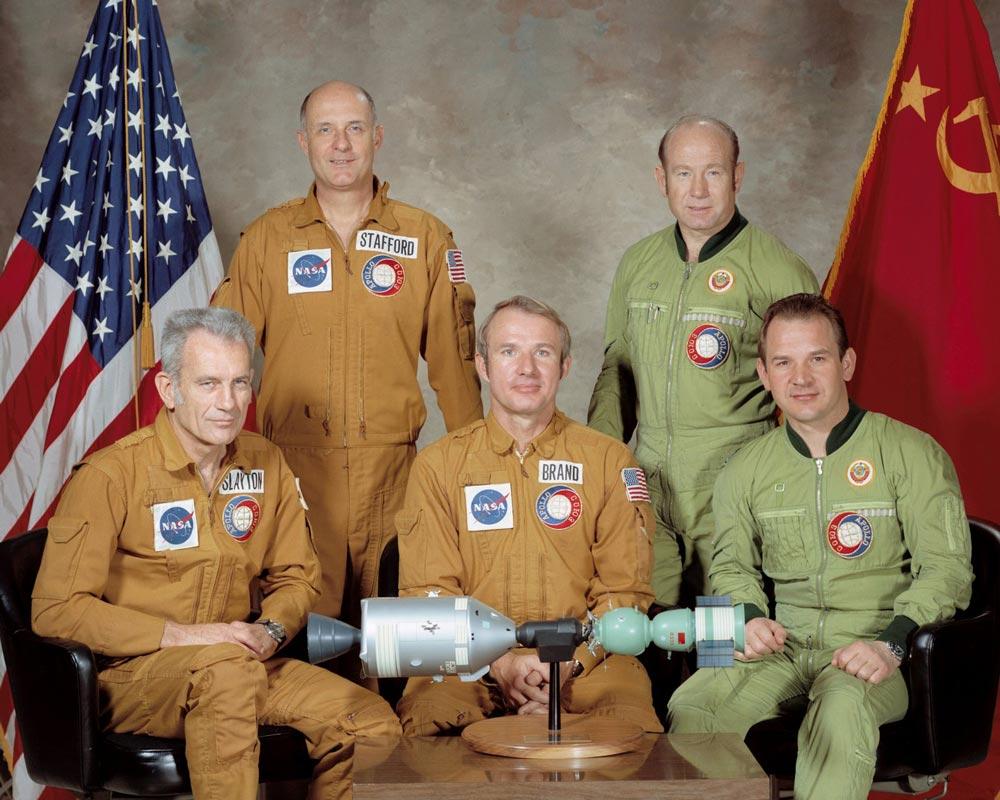 Участники полёта по программе «ЭПАС»: А. Леонов, В. Кубасов, Т. Стаффорд, В. Брандт и Д. Слейтон