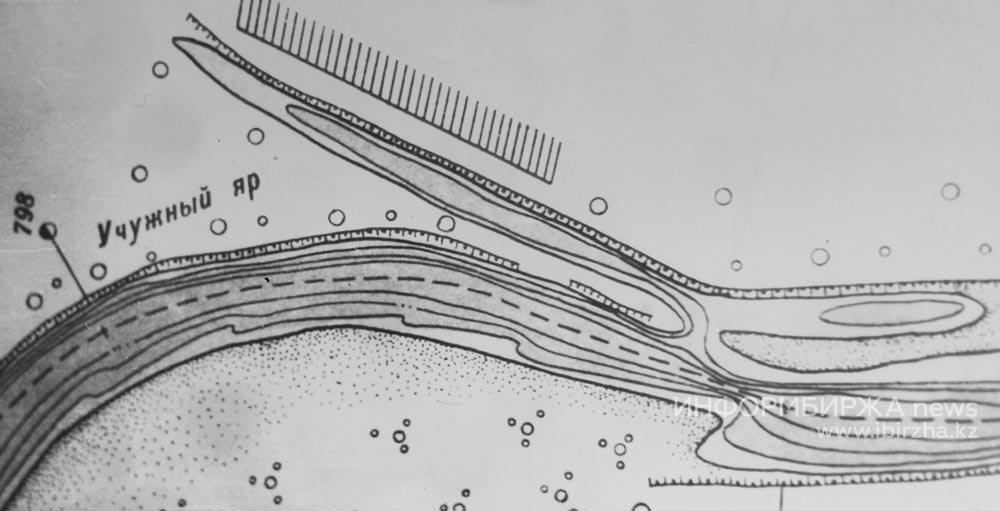 Учужный Затон на речной лоции 1950-х годов. Устье затона находилось напротив Ханской рощи.