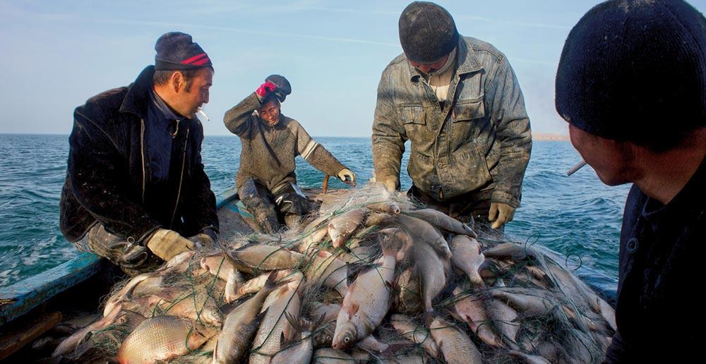 Рыбаки на Северном Арале