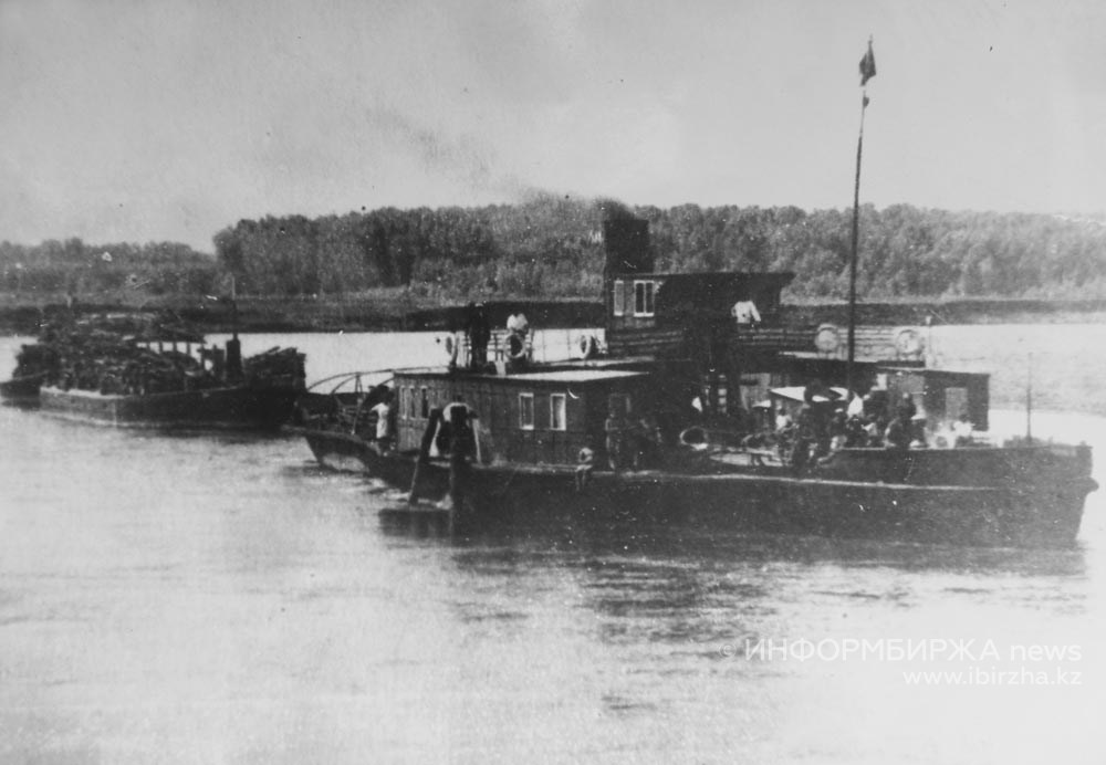 Буксир Уральского речного пароходства «Инициатор» на Сакмаре в 1948 году