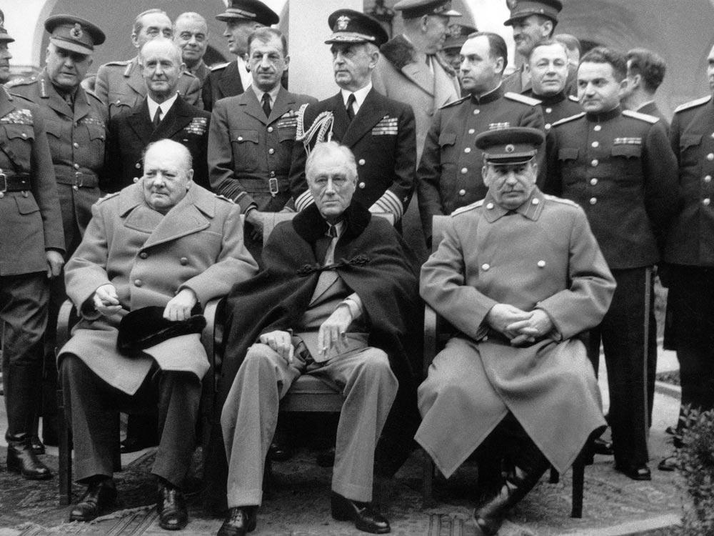 И. Сталин, Ф. Рузвельт и У. Черчилль на Крымской конференции 1945 года